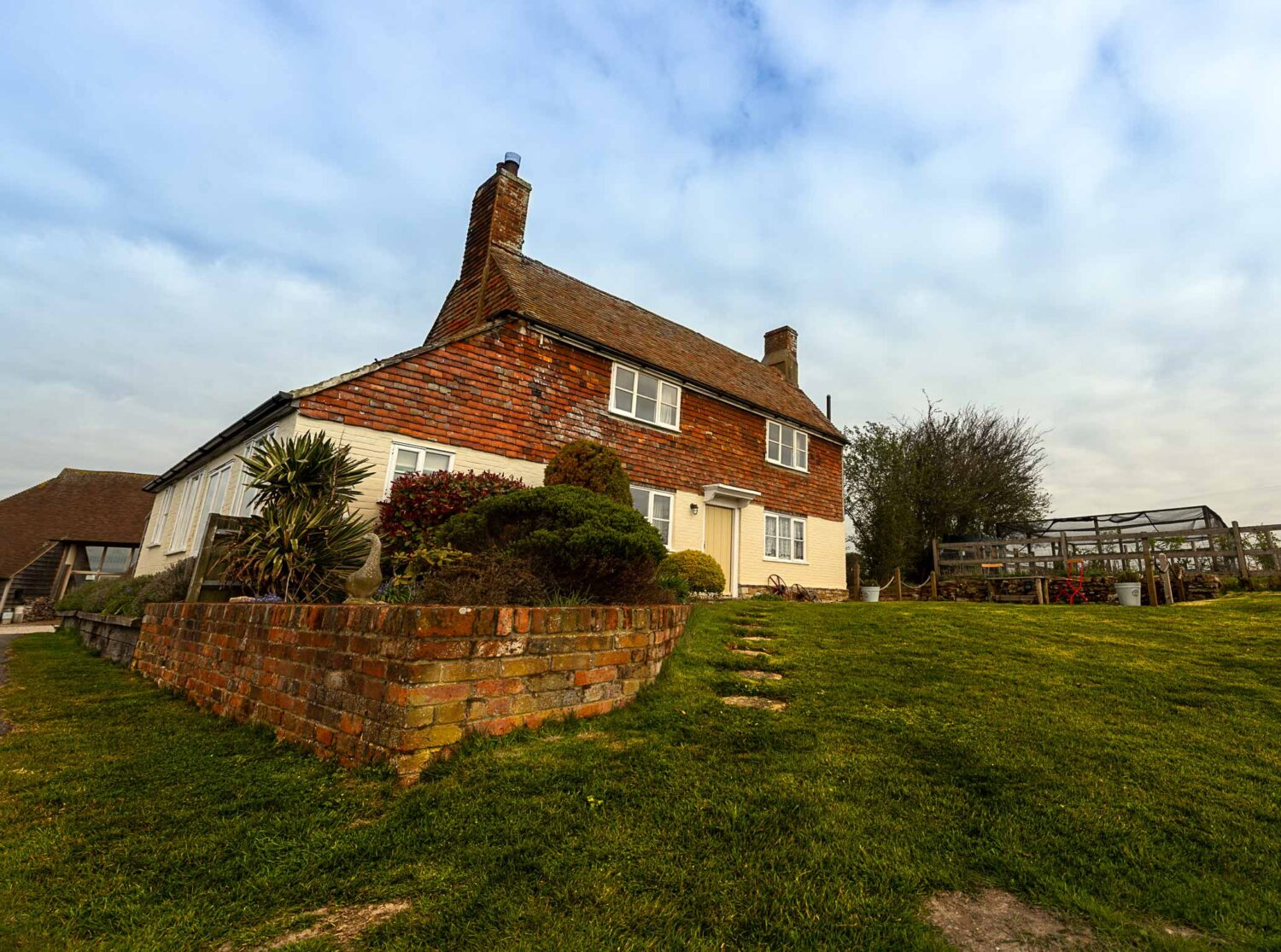 Coldharbour Cottage from front